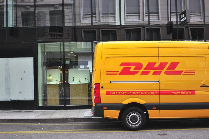 Stehlen Hamburg hamburg paket mafia stiehlt waren aus dhl fahrzeugen logistik