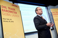 Tim Scharwath, CEO DHL Global Forwarding, Freight bei der Vorstellung des Global Trade Barometers in NY
