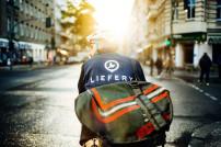 Liefery-Kurier auf dem Rad