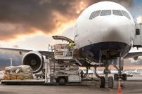 Beladung eines Flugzeugs am Flughafen