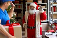 Zusteller und Weihnachtsmann