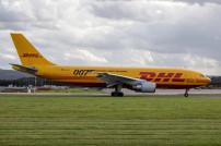 DHL Express Flugzeug in East Midlands