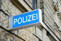 Polizeistation Schild