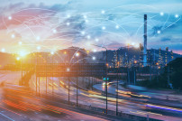 Logistisches Netzwerk: Straßen im Sonnenlicht mit Netzwerk