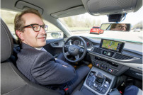 Bundesverkehrsminister Alexander Dobrindt im Audi