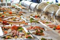 DHL kooperiert mit Cateringexperten Compass Group