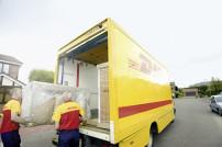 DHL-Paketmitarbeiter